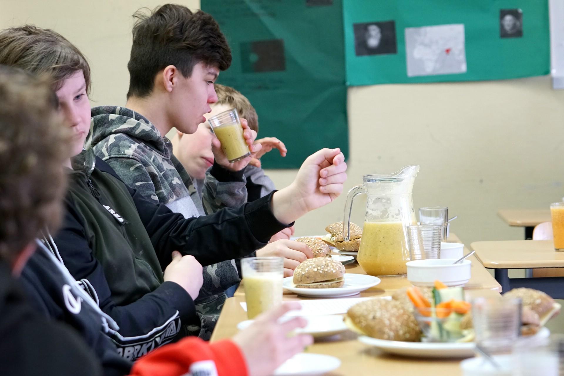 Schulbesuch_gesunde_Ernährung_0003